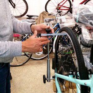 スポーツバイクの組み立て